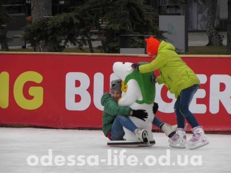 Где в Одессе покататься на коньках?