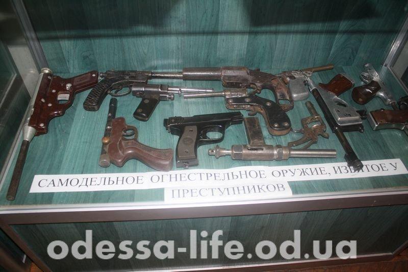 Самодельное оружие уголовников и как изменилась полиция Одессы за 200 лет (ФОТО)