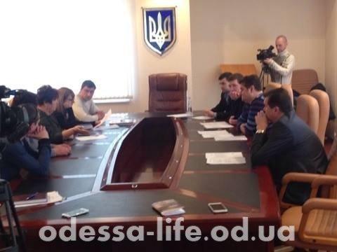 Жители Черноморска не могут смириться с новыми тарифами на проезд