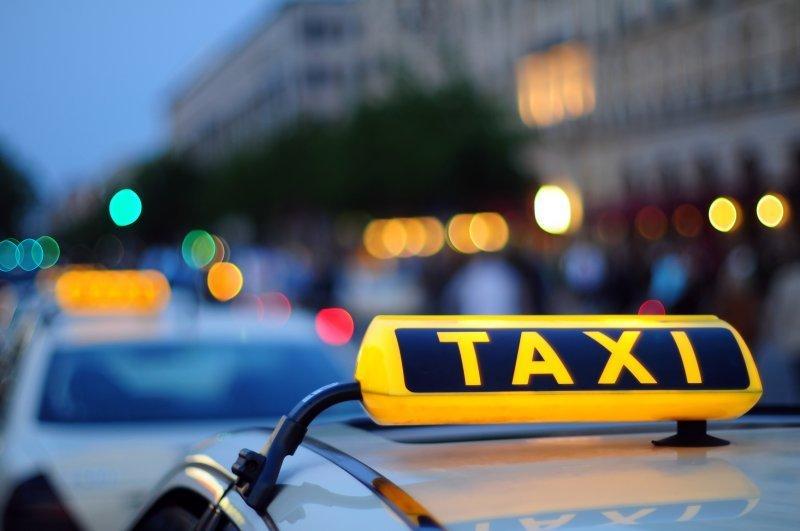 Как в Одессе конкурируют службы заказа такси