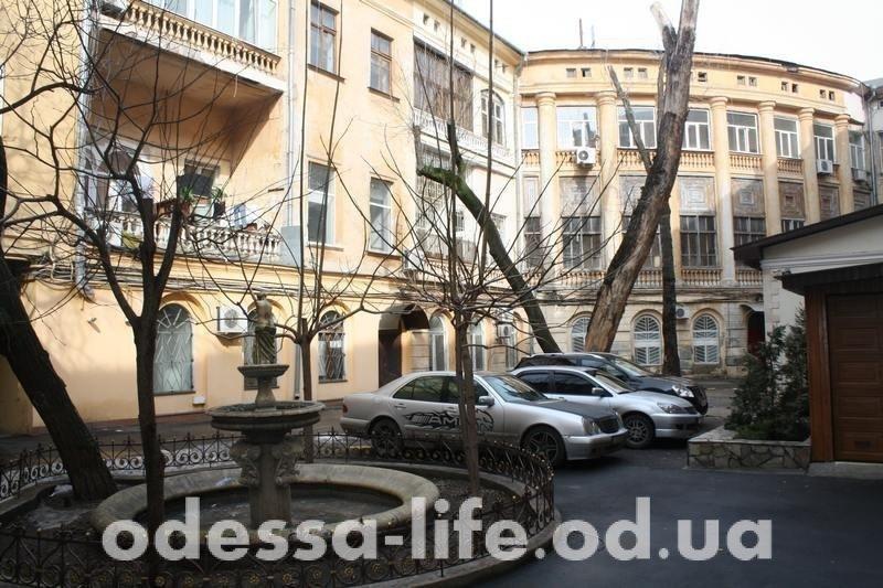 Как легко в центре Одессы попасть в историю (ФОТО)