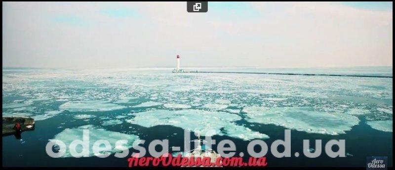 Потрясающее видео моря и маяка с высоты птичьего полета (ВИДЕО)