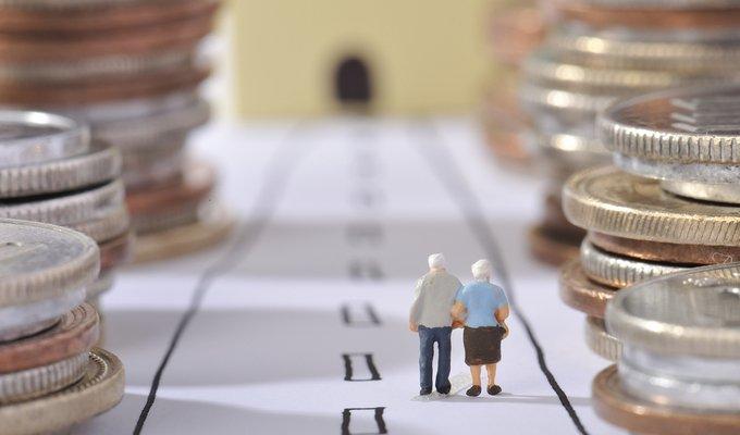 Чем заплатим за повышение пенсий?