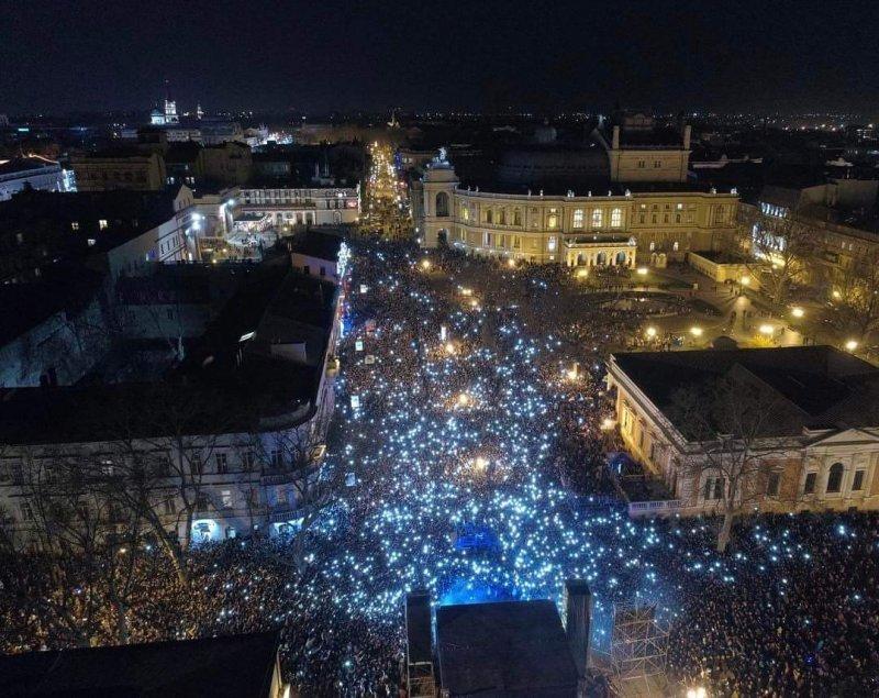 Вечерний аншлаг на концерте в Одессе (ВИДЕО)