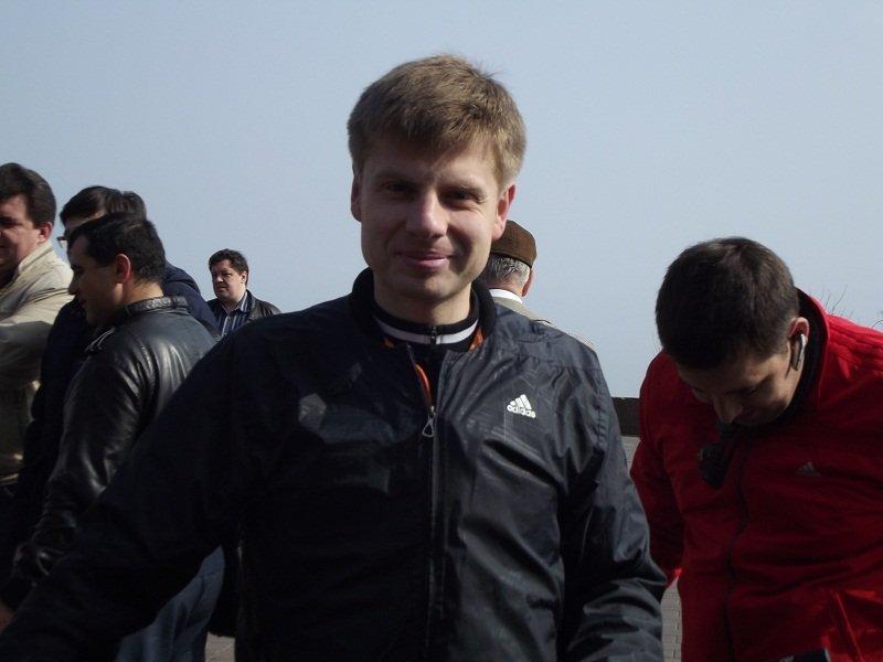 Пять лет назад в Одессе: Гончаренко на велосипеде, богатые одесситы и лишние учебники