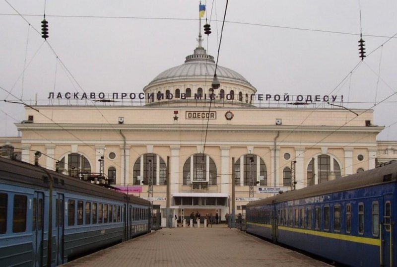 На Одесской железной дороге бросились приводить в порядок станции и вокзалы
