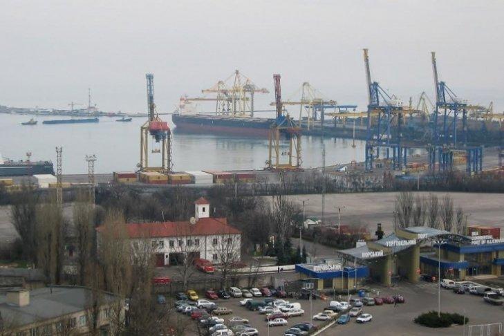 Непогода может остановить порт в Черноморске