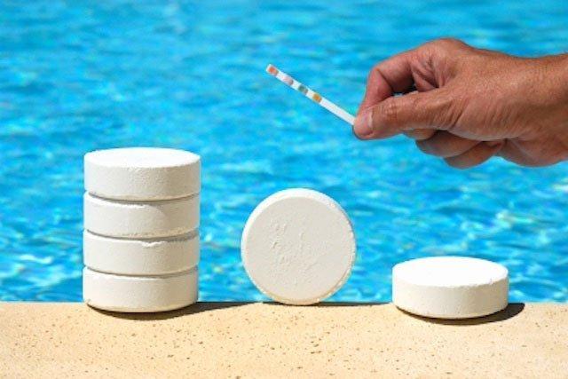 Химические средства для очистки бассейнов