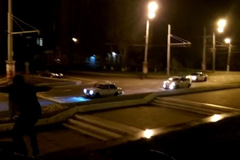 Полицейские устроили погоню за пьяной дамой (ВИДЕО)