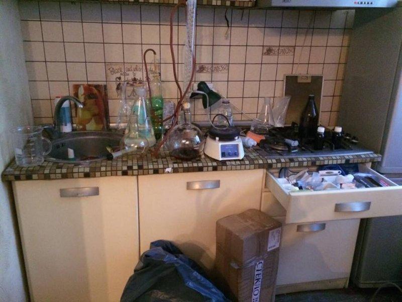 Наркоторговец, сбежавший из Одессы, наладил преступный бизнес в Харькове (ФОТО)