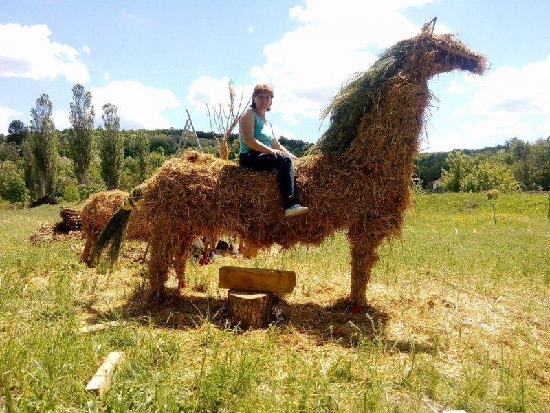 Одесские художники украшают детскую площадку крупнейшего этно-фестиваля (ФОТО)