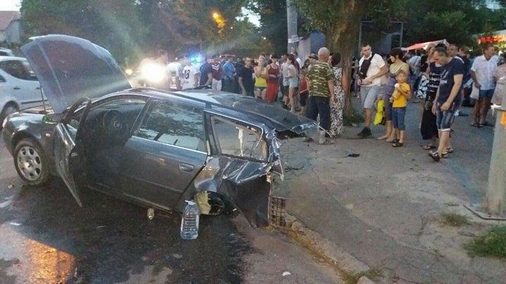 ДТП на Добровольского: машину разорвало на части, три человека в больнице (ФОТО)