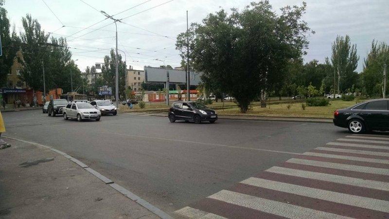 Что происходит на одесских перекрестках с круговым движением?