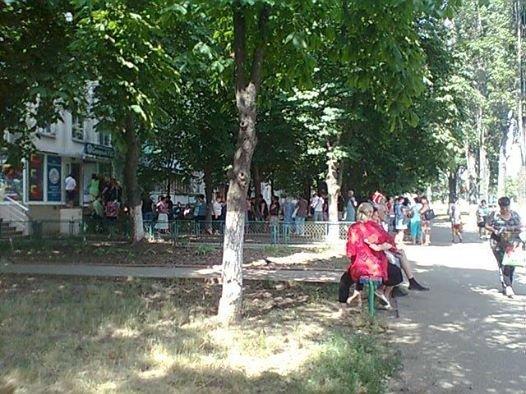 Северный РЭС на Котовского ломится от очередей – виноват вирус Петя (ФОТО)