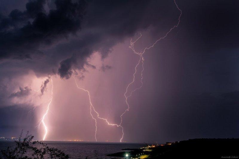 День в Одессе: непрекращающиеся грабежи, неистовая погода, пропавшая мать и дочь