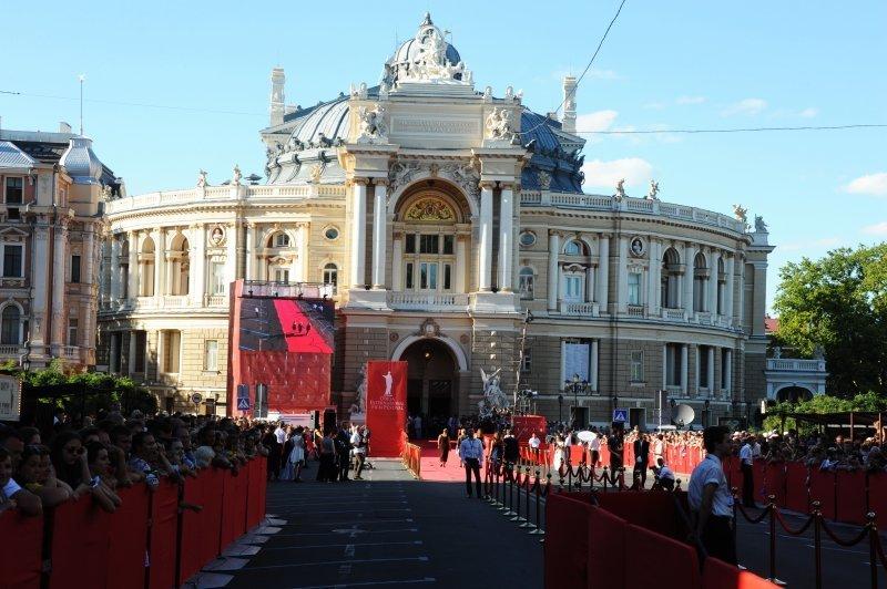 Голливуд по-одесски: как местный бомонд открывал одесский кинофестиваль (ФОТО)