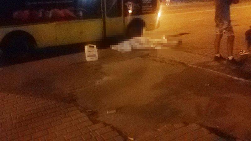 Мужчина умер в одесской маршрутке (ФОТО)