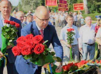 Цветы памяти на Аллее славы в Одессе (ФОТО)