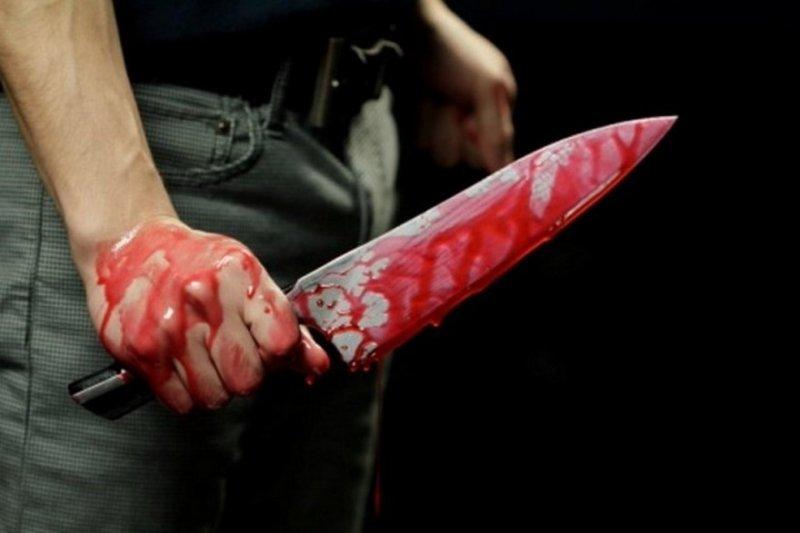 Пострадавший зарезан на собственной кухне кухонным ножом