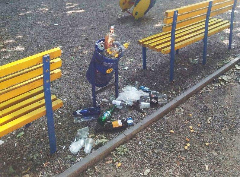 Одесса продолжает утопать в мусоре (ФОТО)