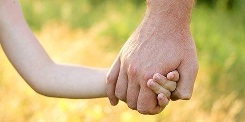 Как научить воспринимать общество и защитить малыша? Советы психолога