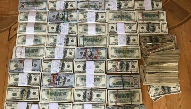 Спецоперация в Одессе. Полиция обнаружила в тайнике «вора в законе» миллион долларов и 90 тысяч евро