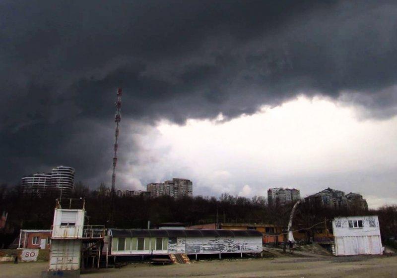 Гроза и дождь в Одессе могут разбавить привычное тепло