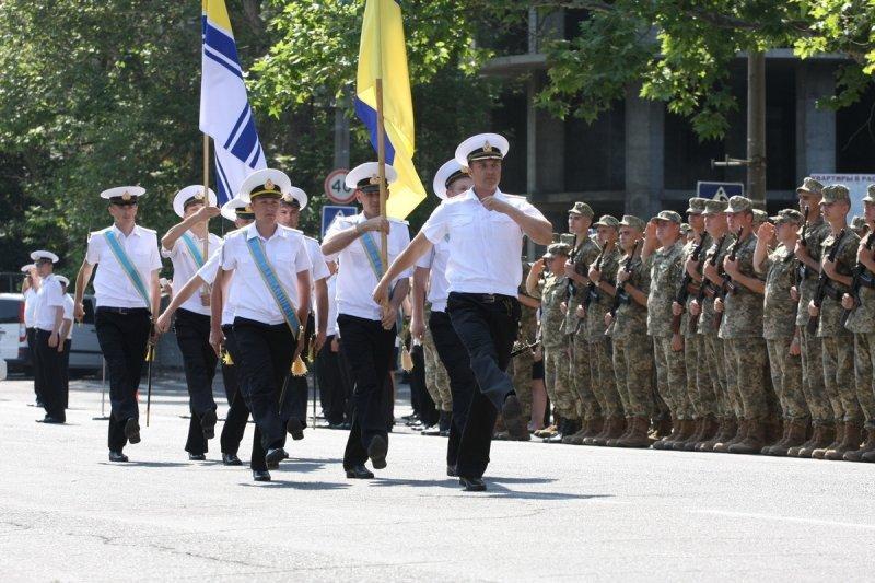 Будущие офицеры учатся в Одессе