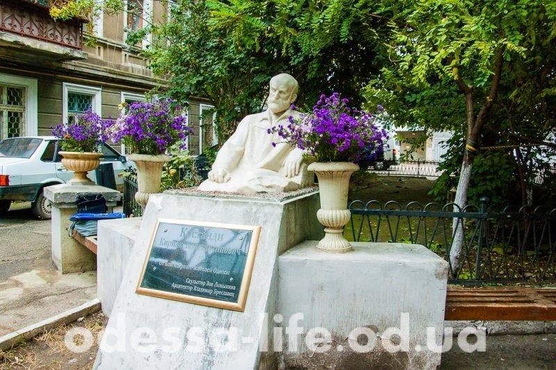 Костанди вернулся, или История одного памятника в Одессе (ФОТО)