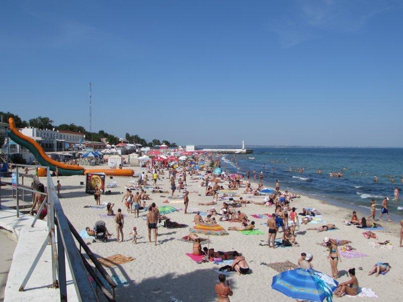 На одесских пляжах спасли больше тысячи человек