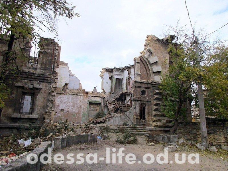 Масонский дом: приют бомжей, «сувенирных» охотников и любителей экстремальных прогулок