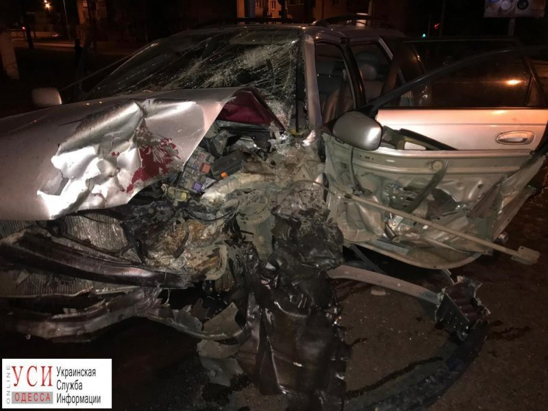 Жуткое ДТП на Молдованке: три автомобиля всмятку (ФОТО)