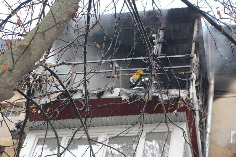 В Одессе из огня спасли двоих мужчин (ФОТО)