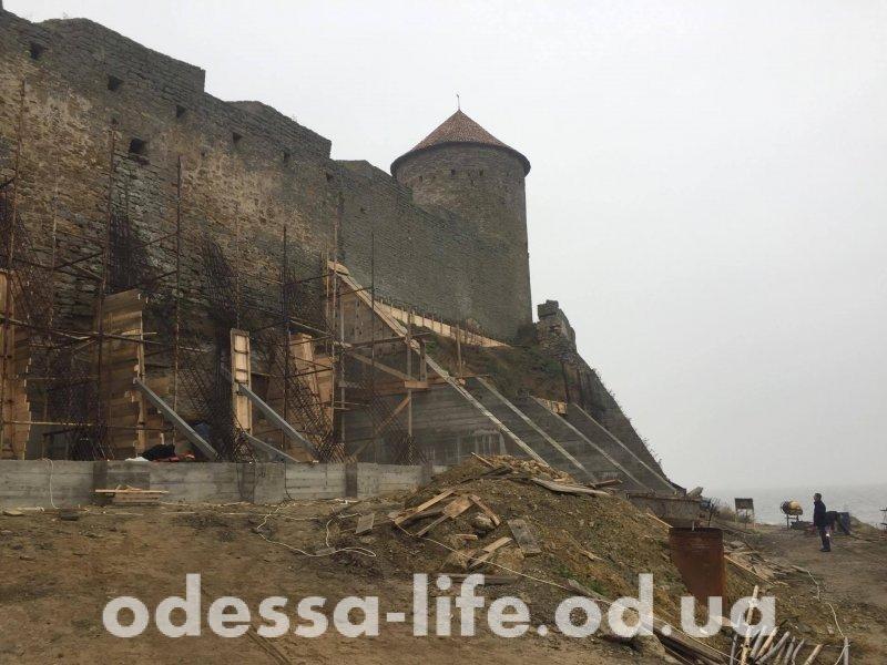 Власти не довольны реконструкцией Аккерманской крепости (ФОТО, ВИДЕО)