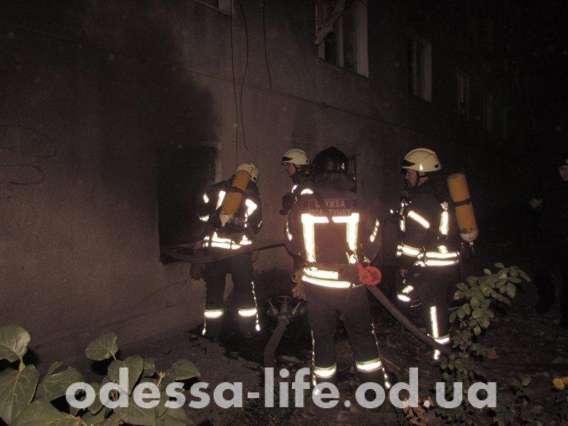 В пожаре на Сортировочной погиб бездомный (ФОТО)