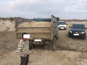 Под Одессой незаконно добывают песок