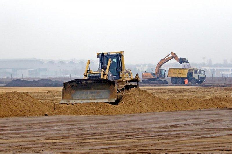 В Одесском аэропорту начали строить «взлетку» (ФОТО)
