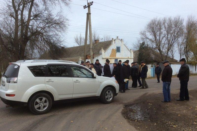 Пенсионеры-силовики в знак протеста перекрыли трассу Одесса — Рени