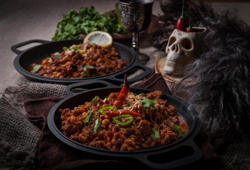 «Пирог с дикими голубями» и «Шампиньоны Магистра Иллирио»: одессит готовит блюда из «Ведьмака» и «Игры Престолов»
