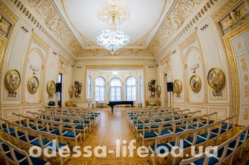 От песен чумаков — до музейных ночей: юбилей Одесского литературного музея