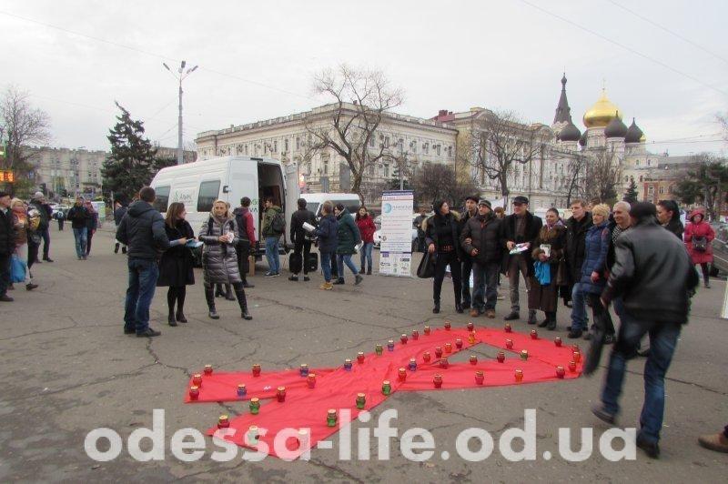 Одесситы смогли пройти тест на ВИЧ прямо на улице (ФОТО)
