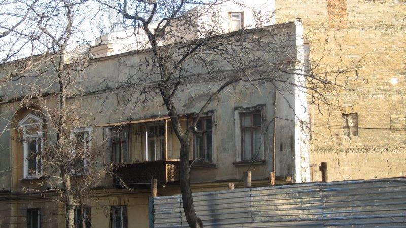 В Одессе вскоре исчезнет еще один дом-стена (ФОТО)