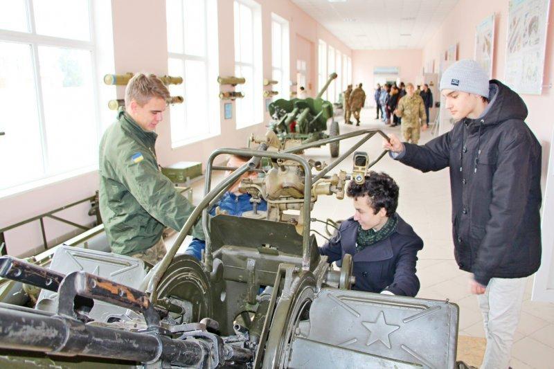 Военная академия раскрывает свои секреты (ФОТО)
