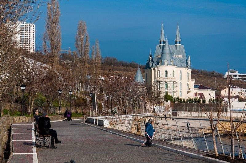 Какие погодные условия будут в Одессе в пятницу?