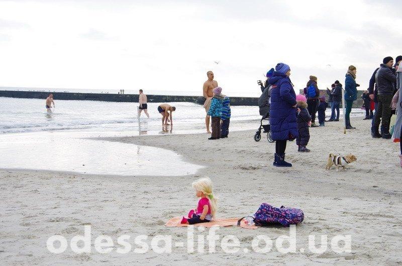 Как Одесситы на Крещение по воду ходили и в море купались… (ФОТО)