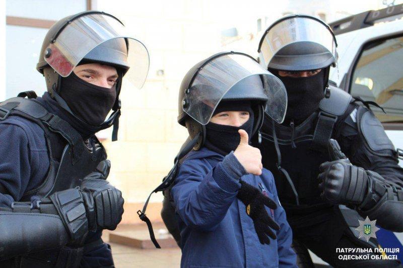Дети на Рождественском патрулировании (ФОТО)