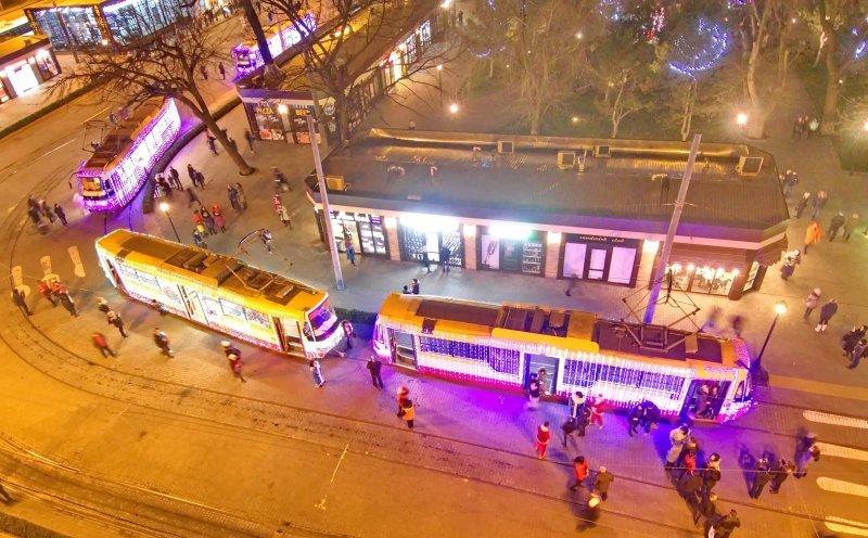 Рождественские трамваи прошли по улицам Одессы (ФОТО)