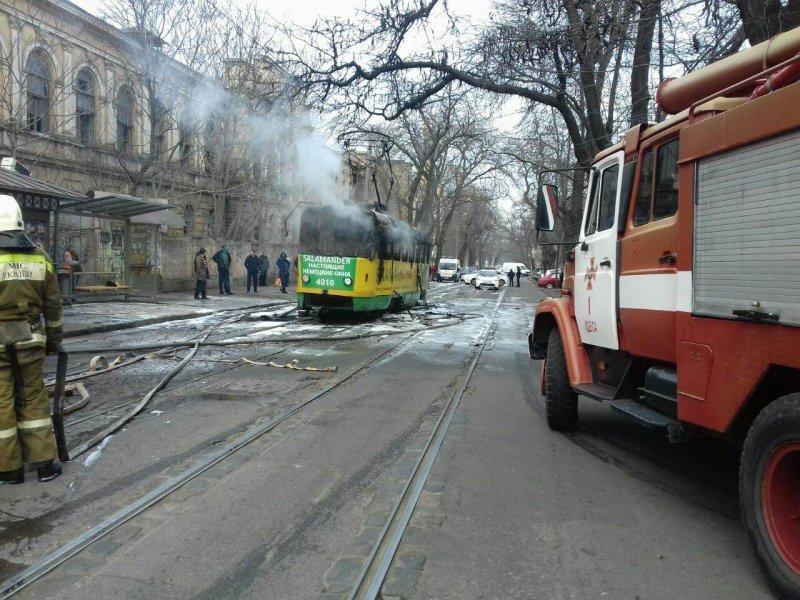 Не прыгай из трамвая, даже если он стоит и горит