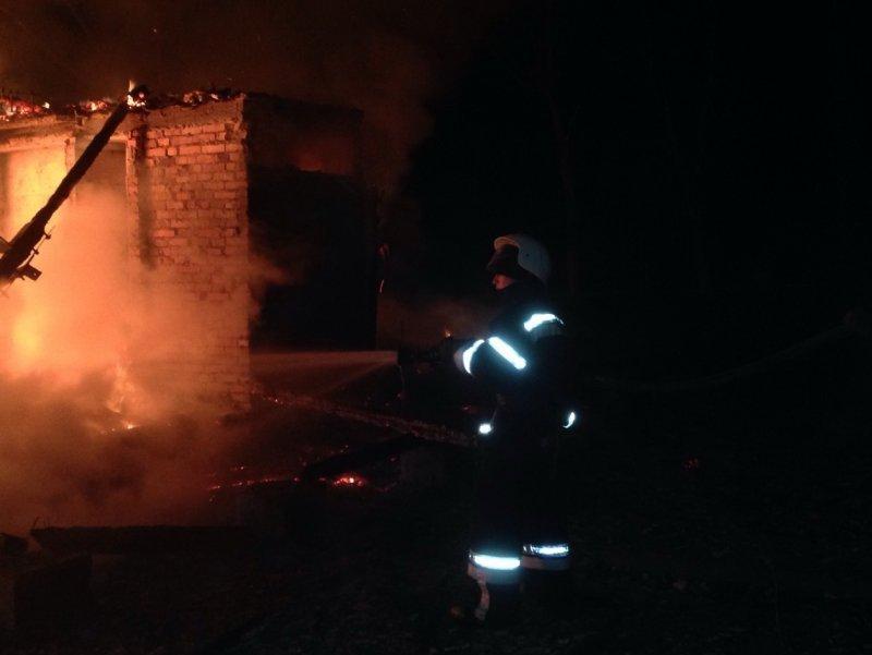 Сгорела еще одна база отдыха в Затоке (ФОТО)