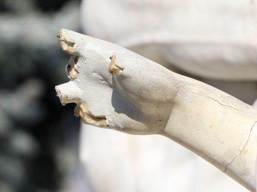 Руки бы отбить не у Лаокоона, а у этих вандалов (ФОТО, ВИДЕО)